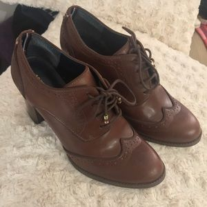 Tommy Hilfiger Women shoes 7.5